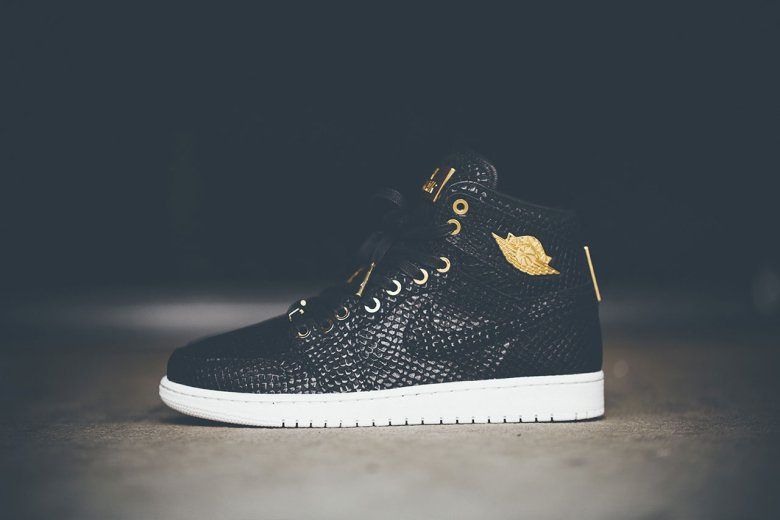Air Jordan 1 Pinnacle 24K Gold 4